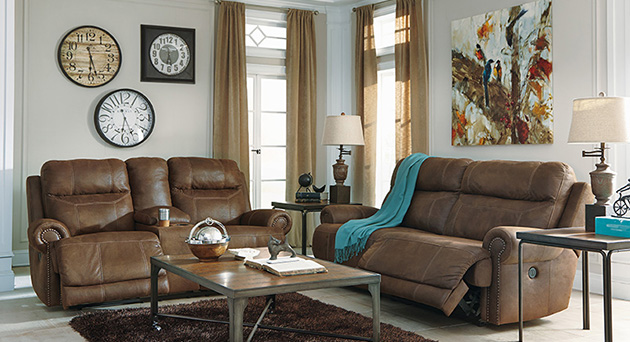 Auestere Reclining Living Room Set